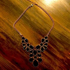 Chunky necklace gold and black